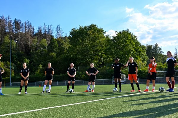 Frauen Fußballmannschaft beim Training