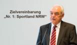 """Nr. 1: Sportland NRW"" - LSB-Präsident Walter Schneeloch am Rednerpult"