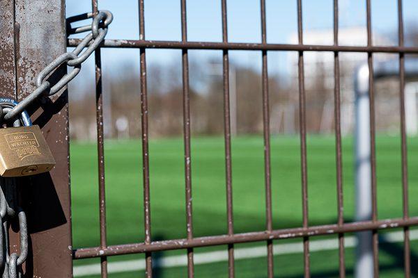verschlossene Sportanlage