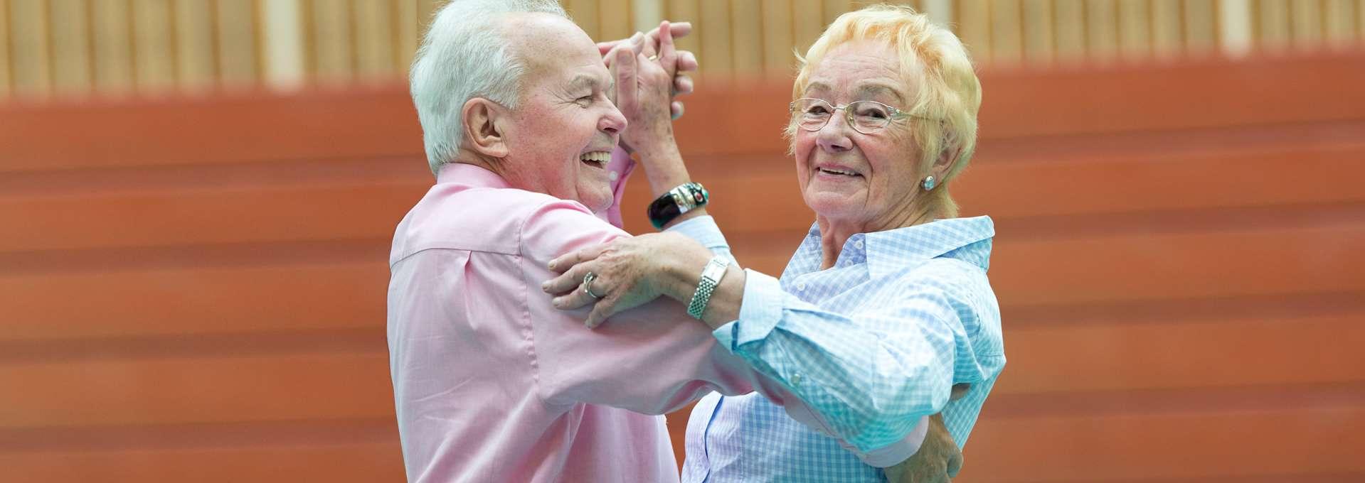 Headerbild Bewegt ÄLTER werden in NRW! Seniorentanzpaar