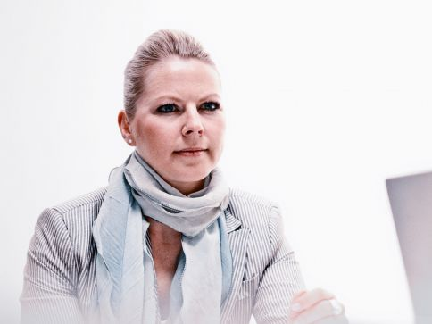 Dominique Susann Neumann: Geschäftsführerin rosenbaum nagy